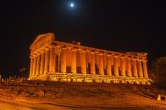 Concordia-Tempel in archäologischem Park Agrigents stockbilder