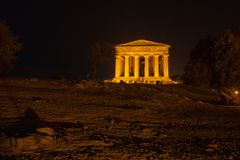 Concordia-Tempel in archäologischem Park Agrigents stockfoto