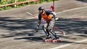 Concorrente eccellente di slalom fotografia stock