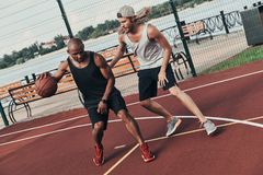 Concorrentes do basquetebol foto de stock royalty free