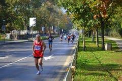 Concorrenti di maratona della città di Sofia fotografia stock libera da diritti