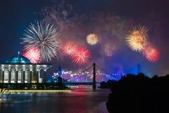 Concorrenza 2013 dei fuochi d'artificio di Putrajaya Immagine Stock