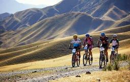 Concorrenza della bici di montagna di avventura Immagine Stock Libera da Diritti