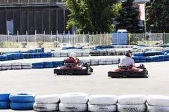 Concorrenza di corsa da go-cart immagini stock libere da diritti