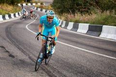 Concorrenza in salita andante in bicicletta Fotografia Stock Libera da Diritti