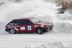 Concorsi del ghiaccio di sport sulle automobili Fotografie Stock Libere da Diritti