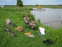 Concours amateurs sur la pêche de sports dans la région de Kaluga de la Russie Photographie stock