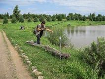 Concours amateurs sur la pêche de sports dans la région de Kaluga de la Russie Photos stock