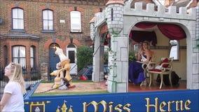 Concours de beauté de baie de Mlle Herne dans le festival de carnaval de rue banque de vidéos