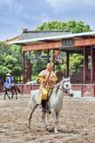 Concours hippique antique de style aux studios du monde de Hengdian, Chine Image stock