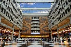 Concourse da estação de comboio de Taipei foto de stock