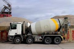 Concrete åker lastbil Royaltyfria Bilder