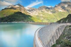 Concrete dam in mountain Royalty Free Stock Photos