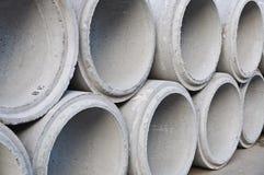 Concrete gestapelde drainagepijpen Stock Fotografie