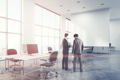 Concrete het bureauhoek van de vloeropen plek, muur Stock Foto's