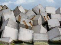 Concrete kubussenbarricade Stock Fotografie