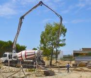 Concrete mixer voor het vervoer Stock Foto's