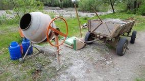 Concrete mixerhulpmiddel royalty-vrije stock fotografie