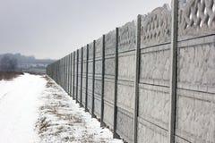 Concrete omheining De winter stock foto