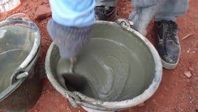 Concrete pleister voor grondplaat stock footage