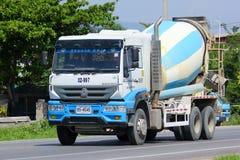 Concrete vrachtwagen nr 02-997 van TPI-Beton Stock Fotografie