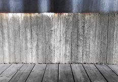 Concrete wall and grey wooden floor Royalty Free Stock Photos