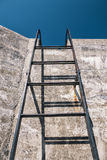Concrete wall and ladder Royalty Free Stock Photography