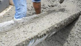 Concreto de mistura do cimento no canteiro de obras video estoque