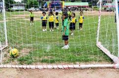 Concurreer het team van het jonge geitjesvoetbal royalty-vrije stock foto
