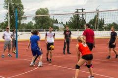 Concurrence amateur de volleyball images libres de droits