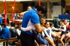 Concurrence artistique de gymnastique pour des enfants dans le stade image stock
