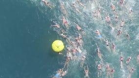 Concurrence de natation banque de vidéos