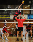 Concurrence de volleyball d'hommes Photographie stock libre de droits