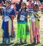 Concurrenten in de stammendansconcurrentie Stock Foto's
