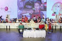 Concurrentie in het koken en grote cake Royalty-vrije Stock Afbeeldingen