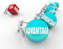 Concurrentievoordeelras Team Vs Lone Competitor Stock Foto's