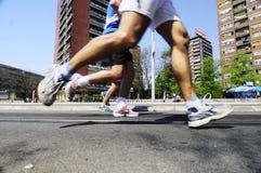 Concurrents courus pendant la course de marathon Image stock