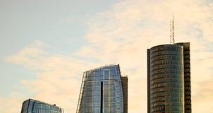 Concurreren gebouwen die - wat hoger is? Stock Fotografie