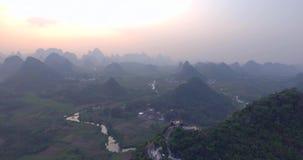 Condado de Yaungshuo no por do sol video estoque
