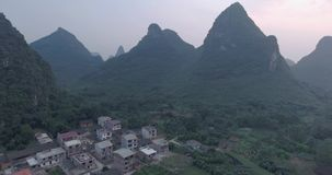 Condado de Yaungshuo no por do sol vídeos de arquivo