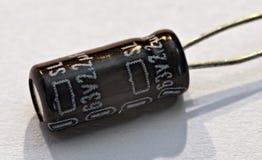 Condensatore della componente elettronica fotografia stock libera da diritti