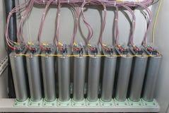 Condensatoren met hoog voltage stock afbeelding