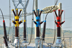 Condensatori elettrici dalla centrale elettrica fotografia stock libera da diritti