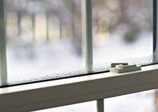 Condensazione della finestra immagine stock