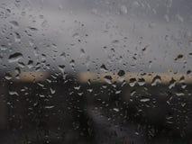 Condensazione sul vetro di mattina Gocce sul vetro Immagini Stock Libere da Diritti