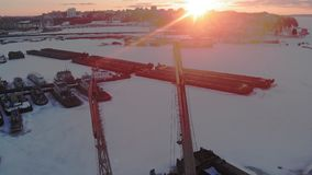 Condição de navios logísticos, tiro aéreo do inverno video estoque