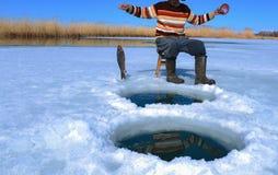 condiciones y lucha de la pesca Imagen de archivo libre de regalías