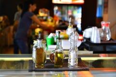 Condiment oliwa z oliwek soli prętowy pieprz Zdjęcia Stock