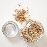 condiment Racine sèche de persil Épice lâche et dans un pot en verre images stock