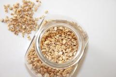 condiment Racine sèche de persil Épice lâche et dans un pot en verre photographie stock